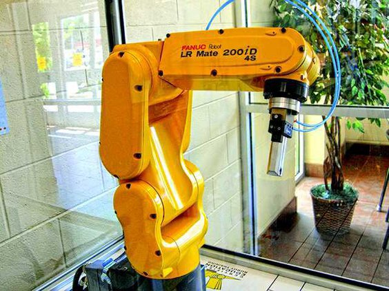 Groundbreaking - robot