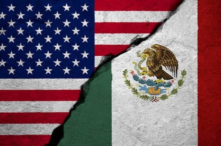 shuttertock_mexico_usa.jpg